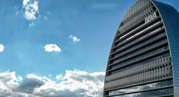 BBVA y Repsol firman un acuerdo para desarrollar soluciones financieras basadas en 'blockchain'